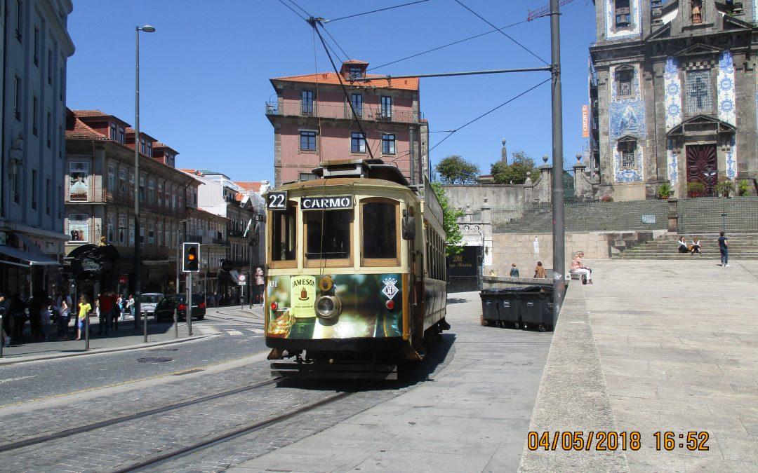 Cu transportul public spre și în Porto