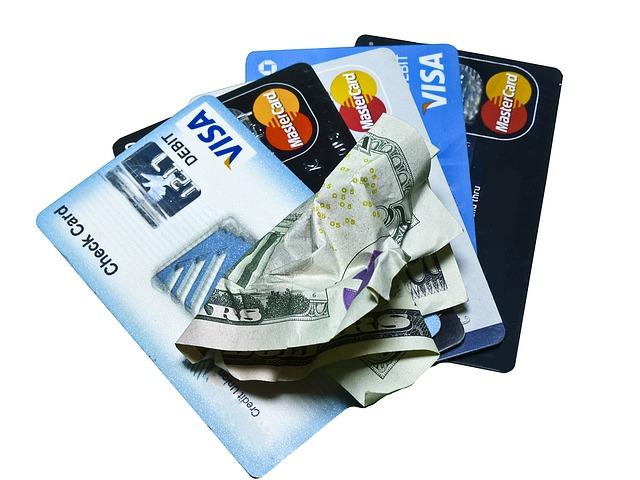 Carduri Revolut şi TransferWise