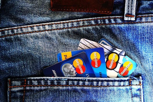 Cash sau card în vacanță ? Preferabil ambele ! (II)