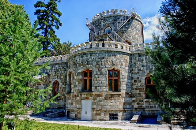 Castelul dintre lumi, Iulia Hașdeu